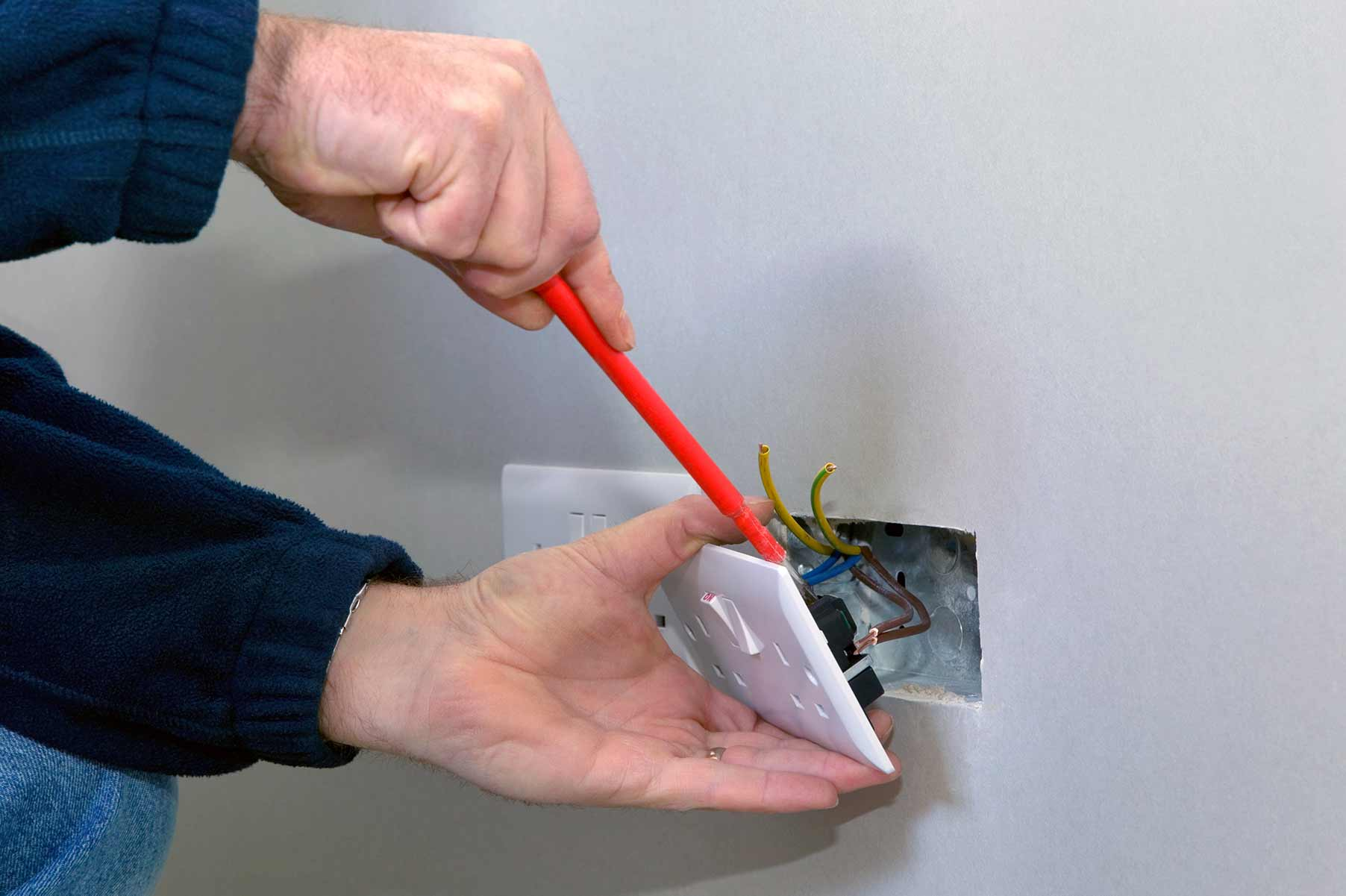 Our electricians can install plug sockets for domestic and commercial proeprties in Kensington and the local area.